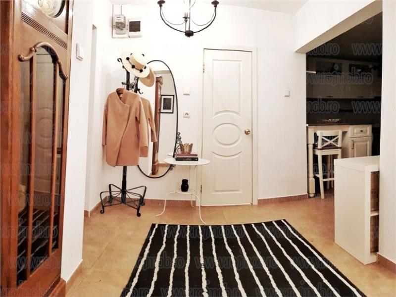 Apartamnt 3 camere mobilat si utilat,constructie 1980,Romana