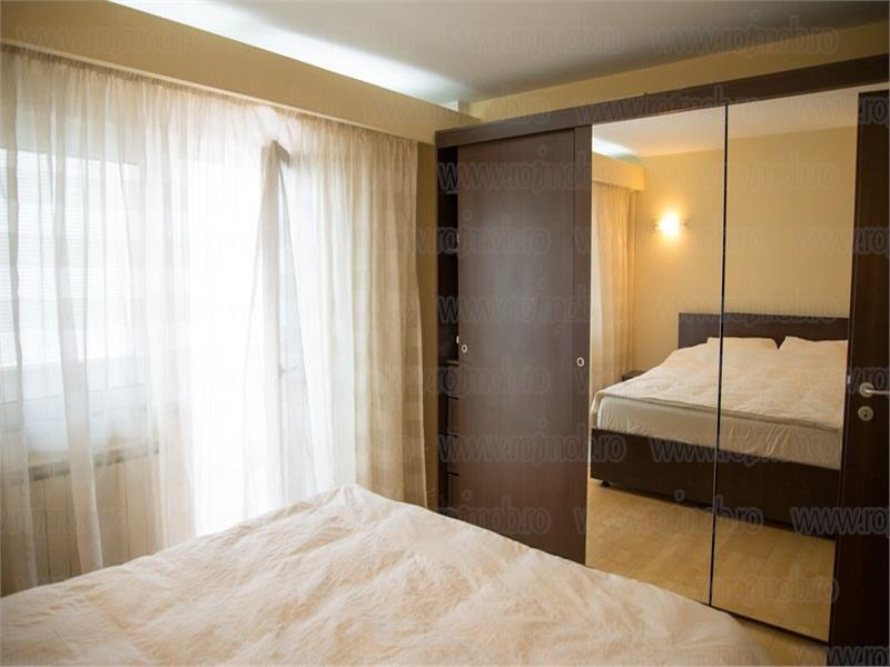 Vanzare apartament 3 camere, Decebal