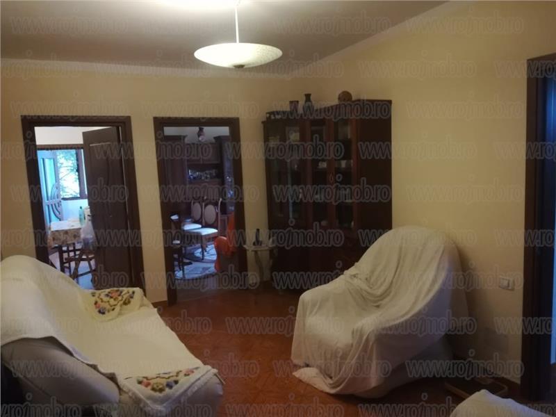 Mosilor 4 camere, imobil consolidat, un apartament pe etaj