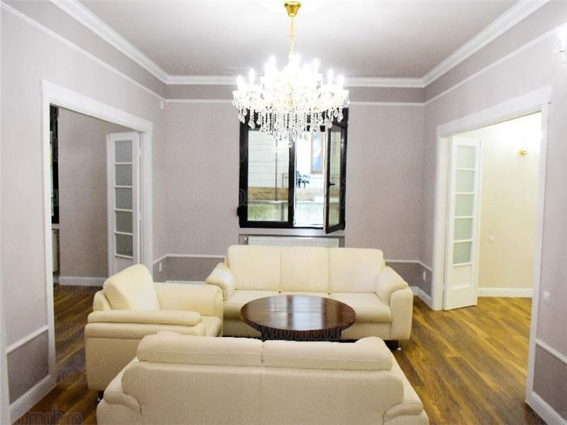 Apartament 5 camere, parter inalt/4, modernizat, Armeneasca