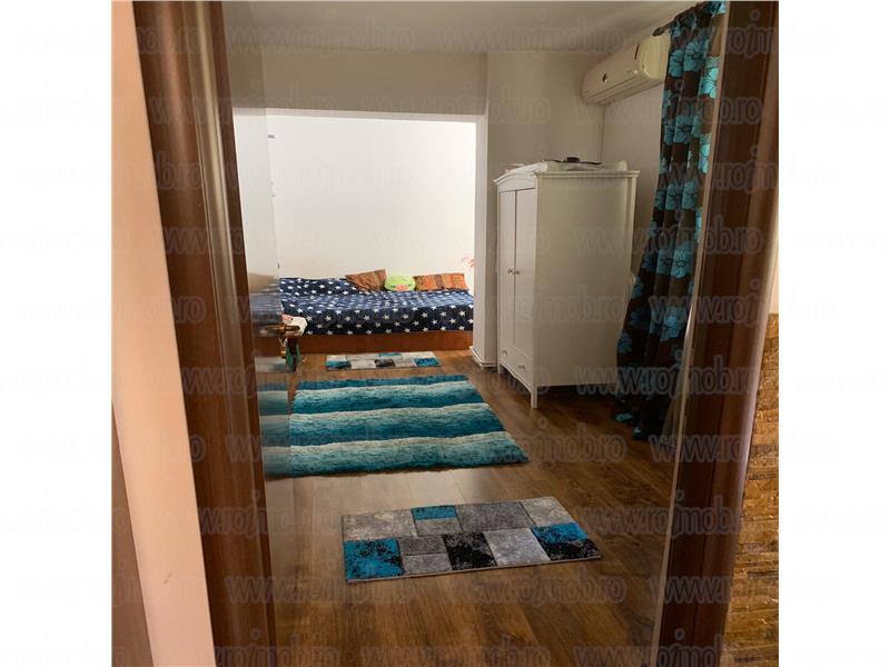 Mosilor, 5 camere, P/P+1+Pod, 2 bai, renovat, foisor in curte.
