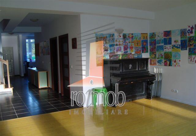 Vanzare vila P+2E, 6 camere, curte, Ion Mihalache - metrou 1 Mai