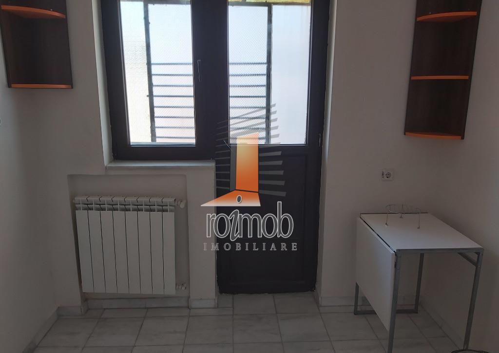 Spatiu birouri, 3 camere, Piata Romana, 165 mp