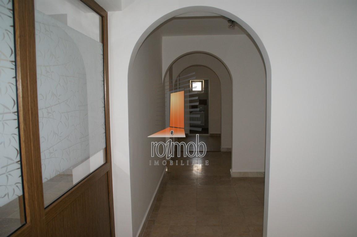 Iancului, vila noua, 300 mp, 6 camere, birouri, curte 150 mp