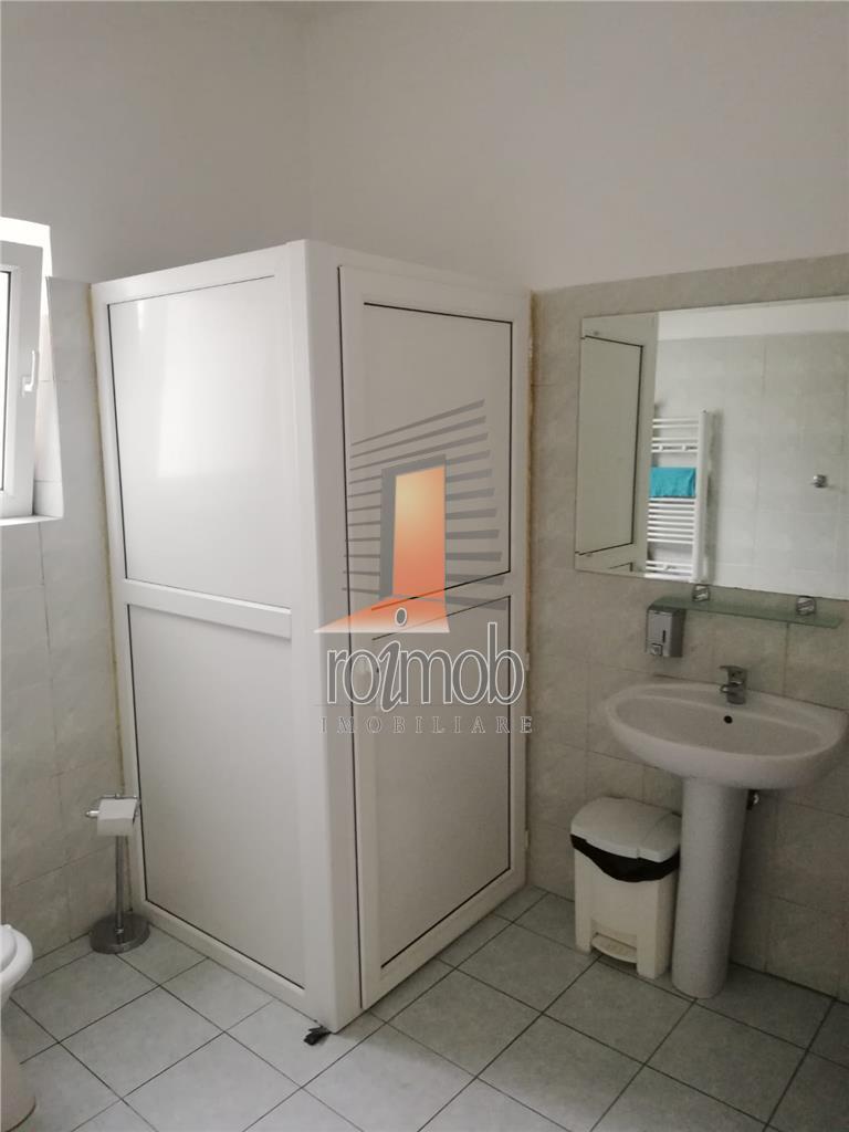 Mosilor, 5 camere, 110 mp. et.1/3, curat, spatios, centrala proprie.