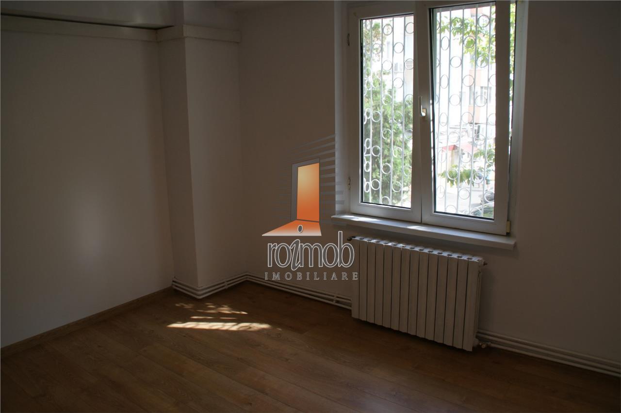 Piata Muncii, 3 camere spatioase, renovat complet, firma sau locuinta