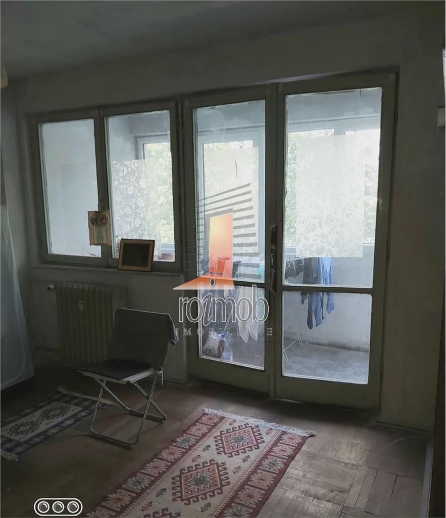 Apartament 3 Camere Baba Novac - Reconstructiei, Bloc Reabilitat