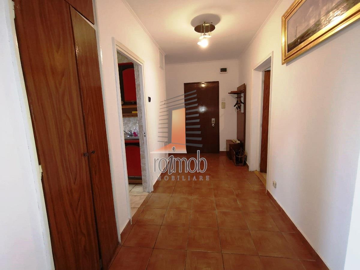 Vanzare apartament 3 camere, Unirii/rond Alba Iulia