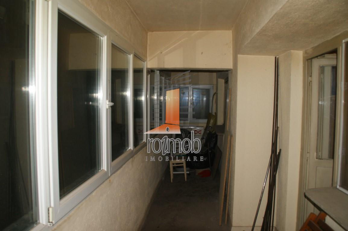 Iancului metrou, 4 camere, bloc 1979, necesita renovare