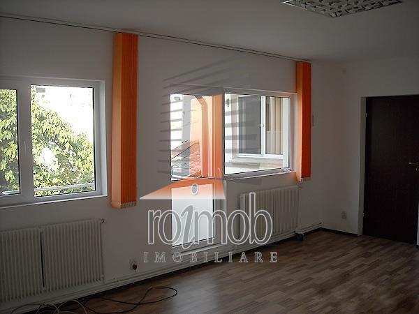 Inchiriere vila 4 camere, birouri, Alba Iulia, curte