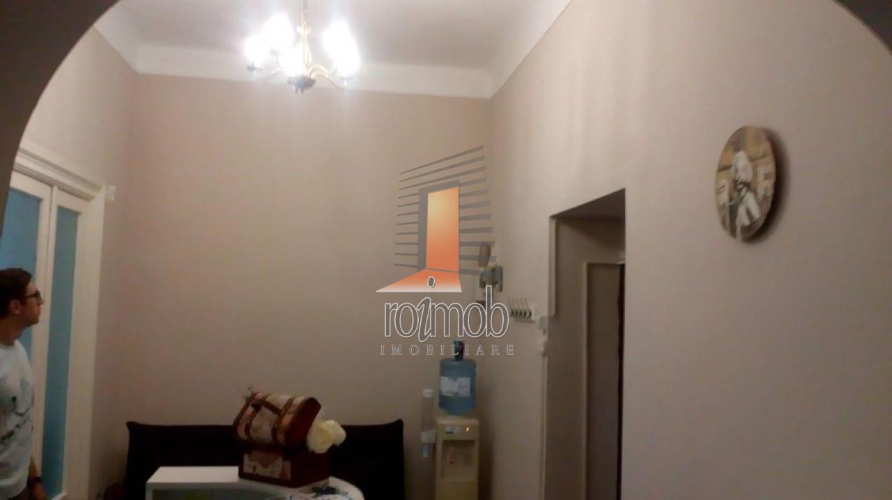 Apartament 3 camere ,etajul 1/3, zona Stirbei Voda