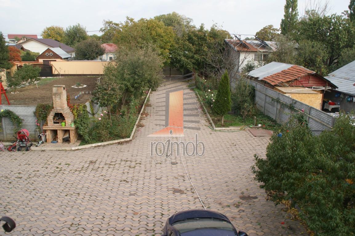 Glina primarie, vila constructie 2009, curte 1000 mp