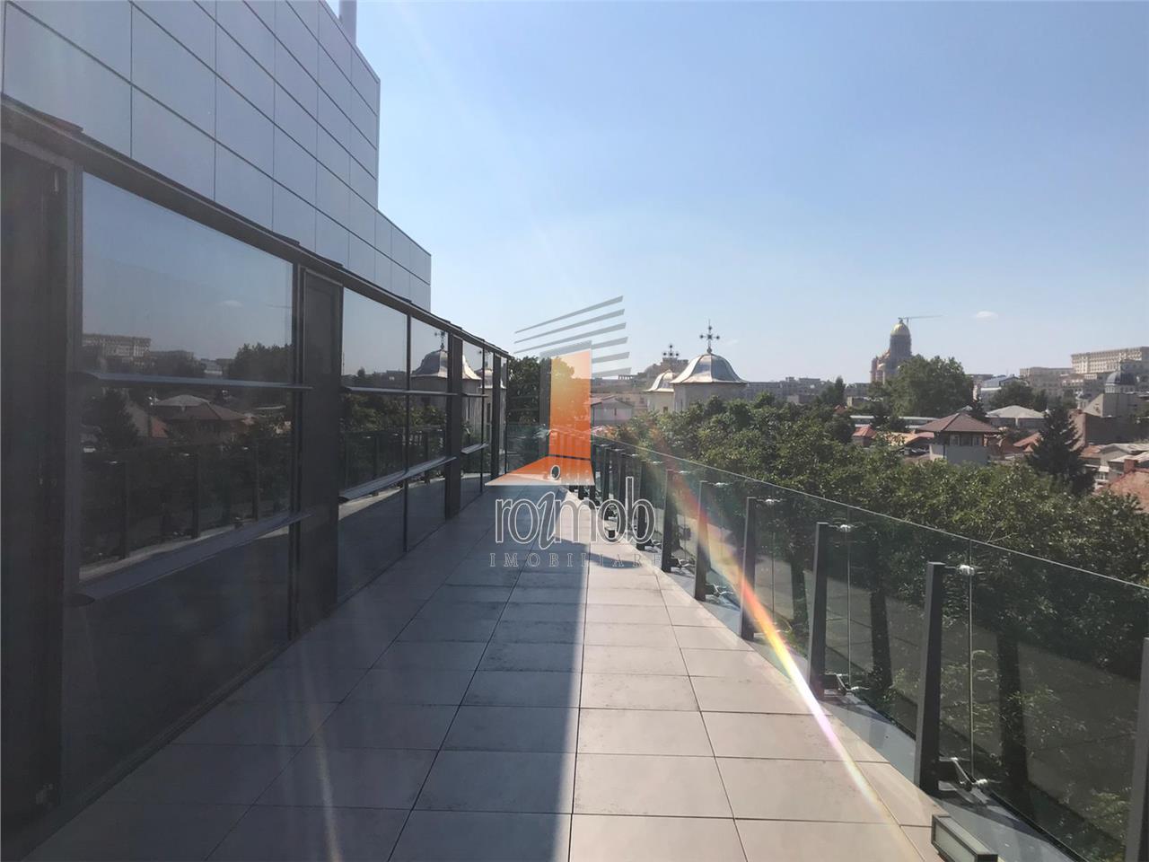 Unirii, cladire birouri lux, 150 mp., terasa generoasa, vedere superba