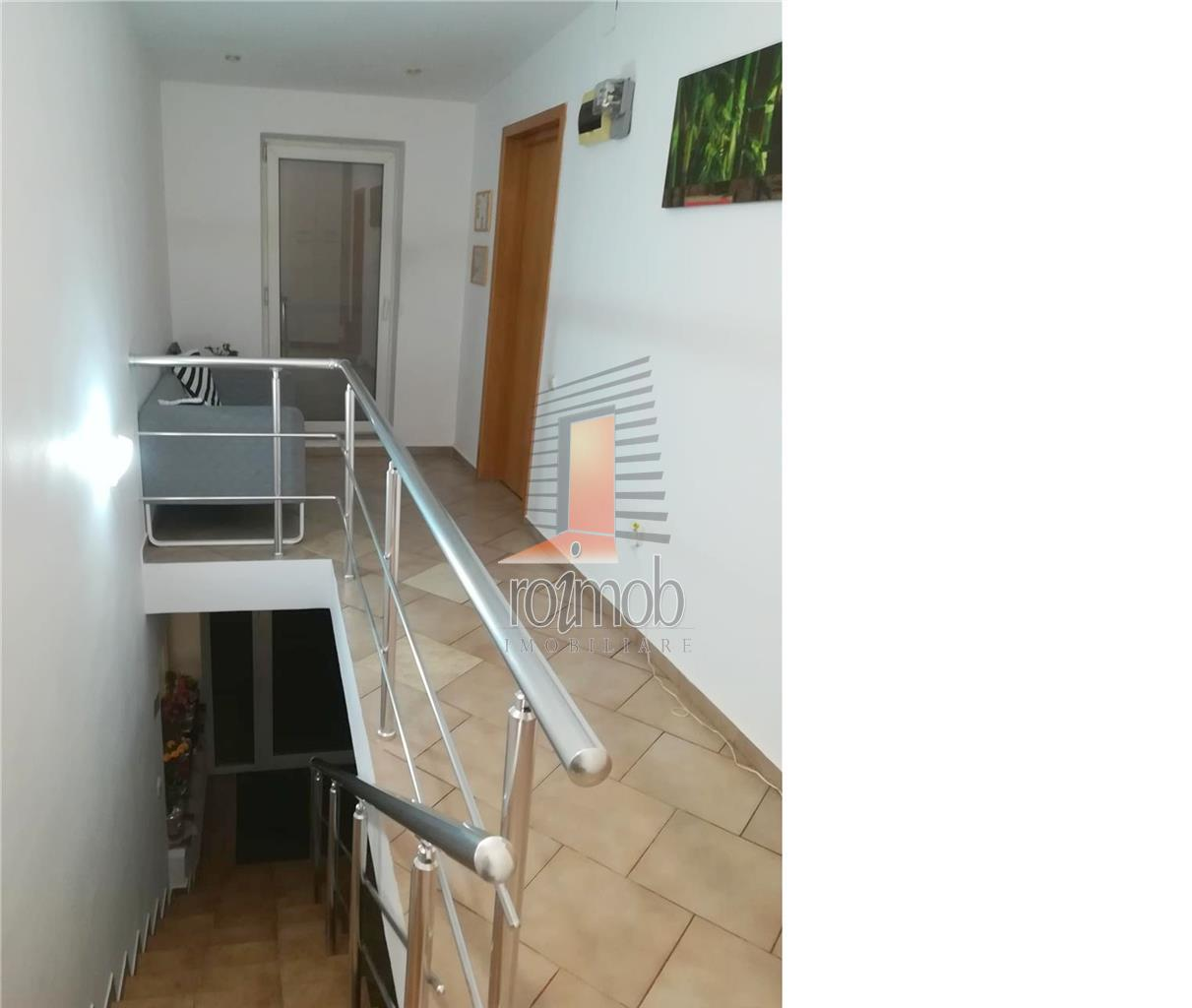 Apartament cu 4 camere in vila, birouri, 120 mp, Polona - metrou