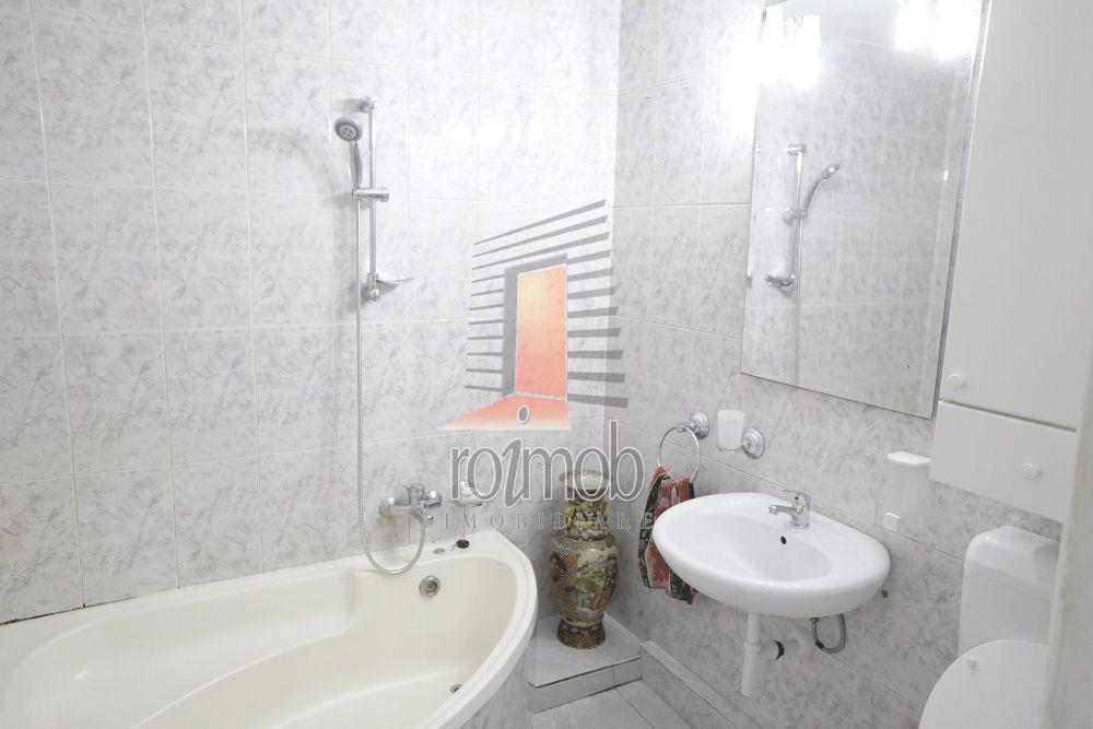 Apartament 3 camere Calea Calarasilor - Piata Muncii