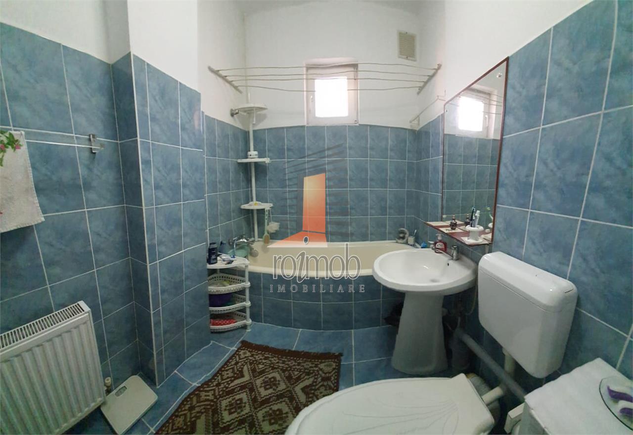 Vitan Mall, ap. 2 camere,cochet et 1, vila solida, anvelopata, terasa