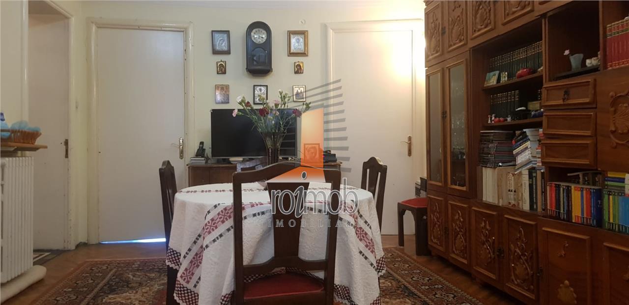 Piata Unirii, apartament elegant in vila, 7 camere, 170 mp, 3 terase