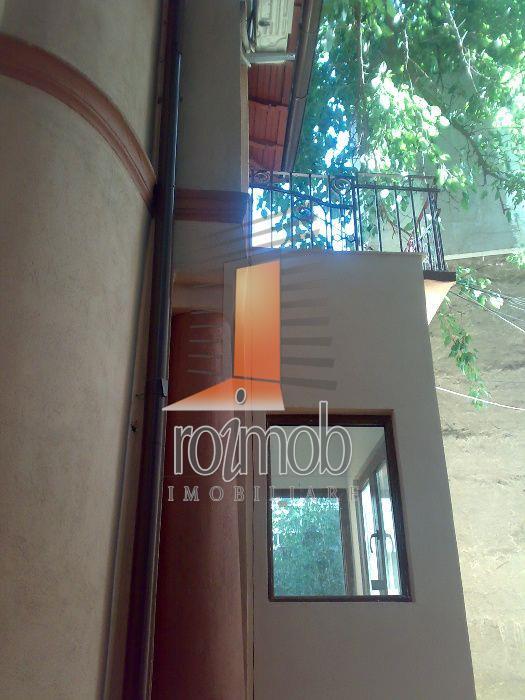 Vanzare 2 camere in vila renovata, curte, Pache Protopopescu