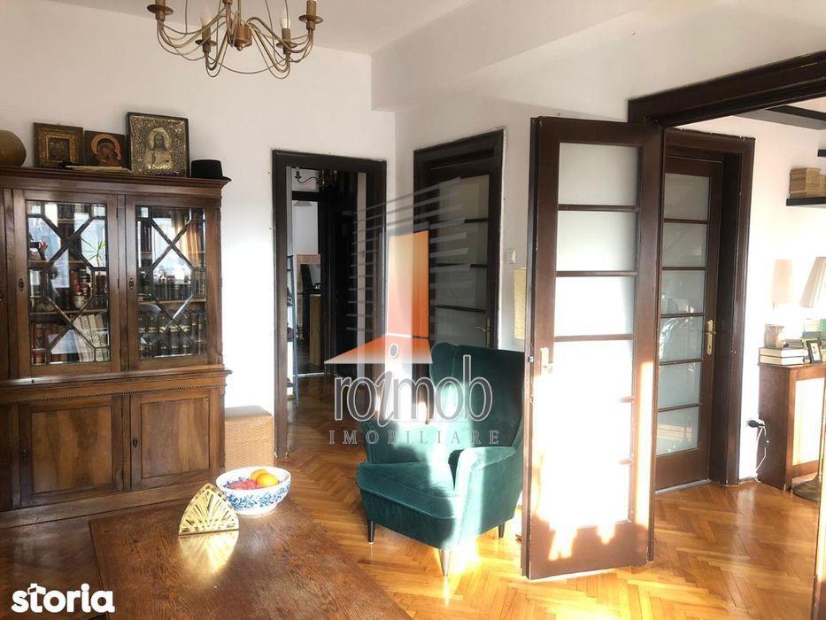 Apartament 5 camere,duplex,etajul 3+Mansarda,zona Mosilor