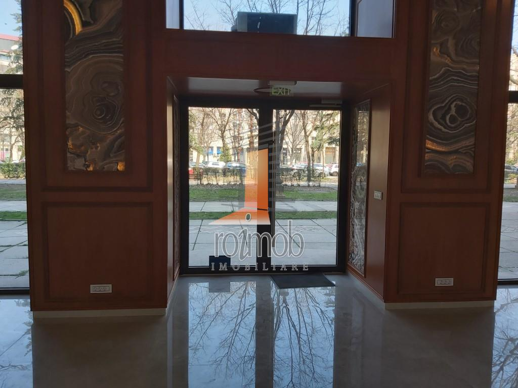 Unirii Fantani, spatiu comercial, 94 mp, vitrina