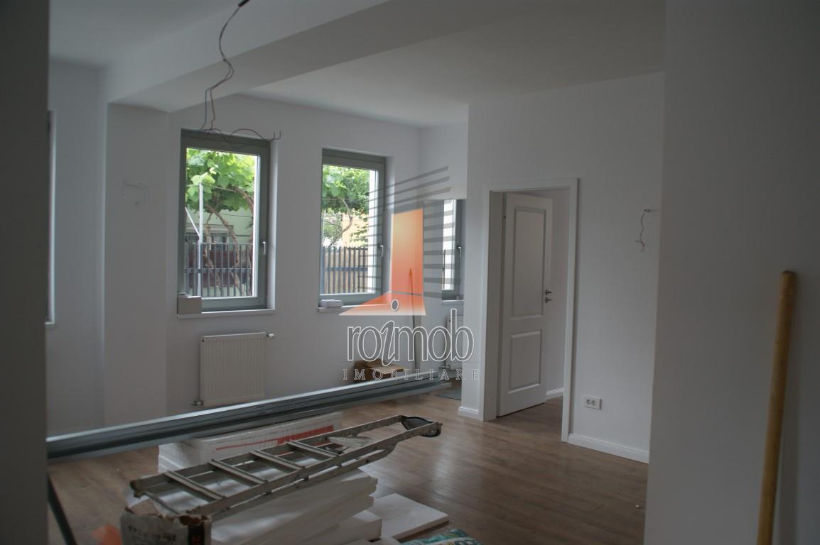 Vatra Luminoasa, parter de vila noua, 3 camere, modern