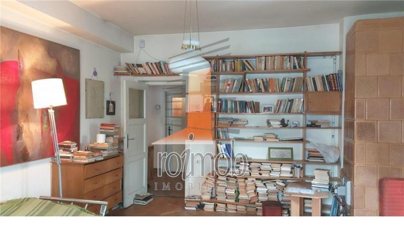 Apartament 2 camere decomandat, etajul 2/S+P+2+Pod,zona Dorobanti