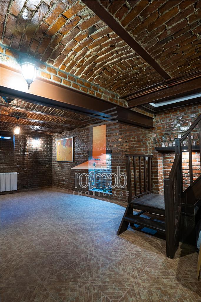 Floreasca, parter de vila, 3 camere si pivnita renovata, cu aerisire naturala, curte.