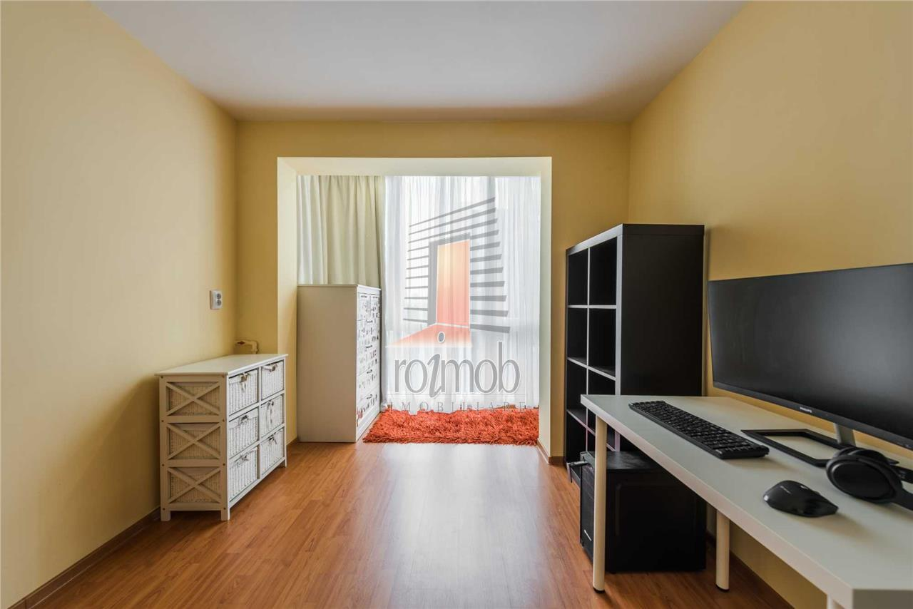 Apartament 3 camere, semidecomandat deosebit, Piata Victoriei