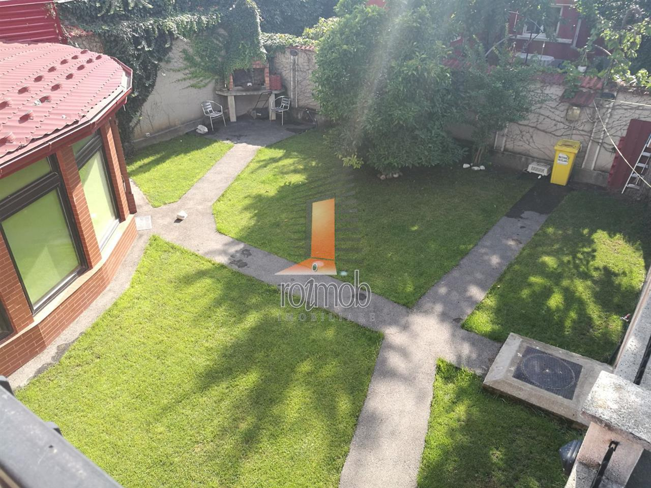 Vila Tineretului - Parc, P+1+M, Suprafata 330mp, Teren 300mp