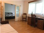 Apartament 2 camere, etajul 1/S+P+2 , zona Unirii