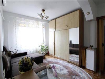 Apartament 3 camere Mihai Bravu - Dristor, Decomandat