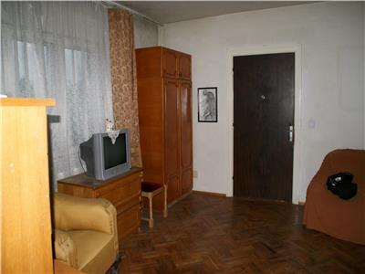 Pache, apartament cochet, 2 camere,centrala, curte mare.
