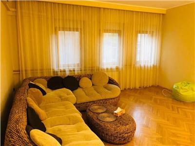 Apartament 3 camere, partial mobilat, Calea Victoriei