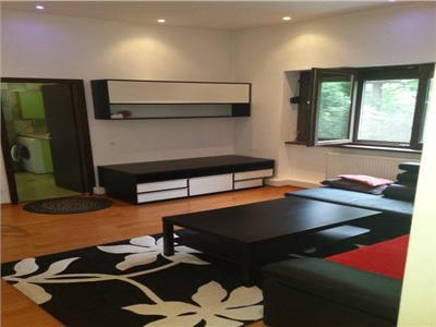 Pache ,3 camere,  apartament superb, 98 mp., terasa, curte 500 mp.