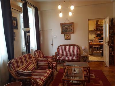 Mosilor, Silvestru, 4 camere, intr-o vila cu doua apartamente,  curte