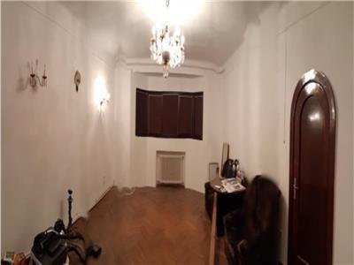 Apartament 5 camere decomandat, zona  Parcul Cismigiu