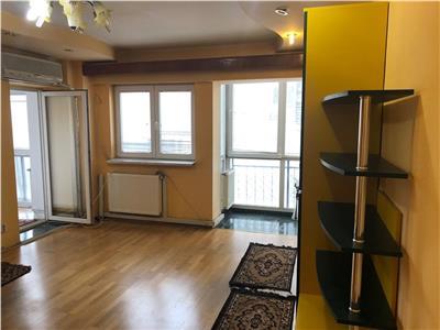 Apartament 3 camere, 2 balcoane, Piata Unirii