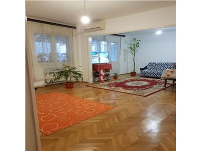 Apartament 4 camere, etajul 2/D+P+3 etaje,zona Mosilor