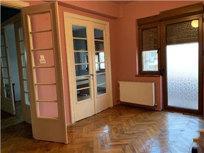 Apartament 5 camere etajul 1/D+P+3+Pod, zona Polona