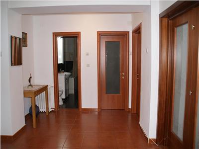 Inchiriere apartament 2 camere, Decebal, 70 mp