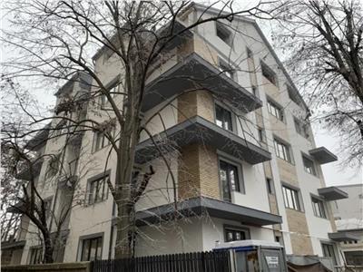 Piata Domenii apartament 3 camere curte proprie 46 mp imobil 2020