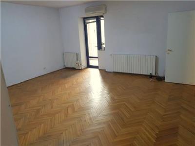 Inchiriere apartament 4 camere, 104 mp, Polona - Eminescu