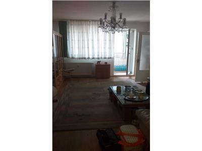 Apartament 3 camere decomandat, mobilat, Drumul Taberei
