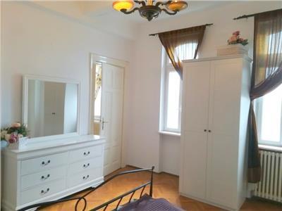 Apartament cu 3 camere, Piata Romana - Lahovari