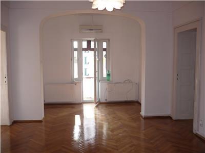 Inchiriere etaj cu 6 camere, 200 mp, Armeneasca - Mosilor