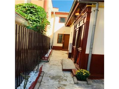 Calea Calarasilor, casa 4 camere, curte