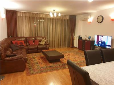 Vanzare apartament 4 camere, 2 terase, Central Park