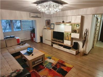 Vanzare apartament 4 camere,  Decebal