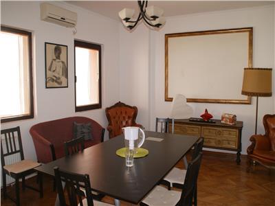Despot Voda, 5 camere in vila solida, intrare exclusiva, pivnita.