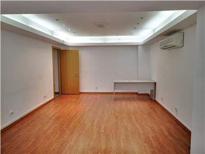 Inchiriere apartament 4 camere, birouri, 2 locuri parcare, Polona